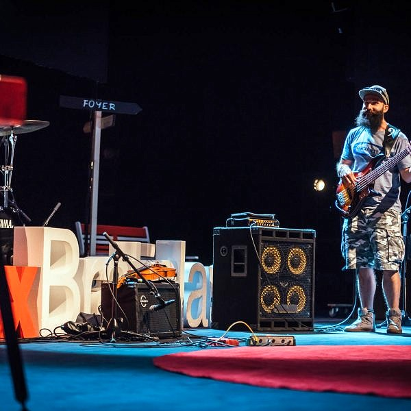 Koncert kapely Ľudové mladistvá - tedx, ted, kapela, hudba - eventovy fotograf