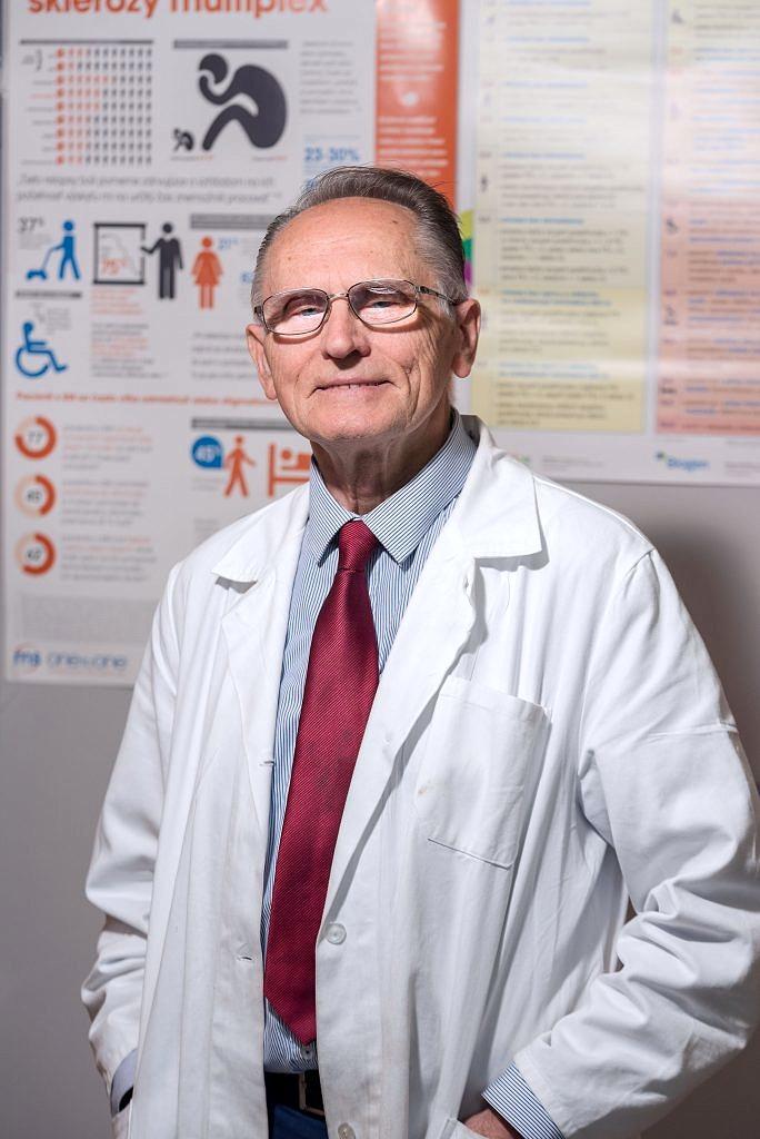Pracovný portrét lekára - portret, lekárska komora - eventovy fotograf