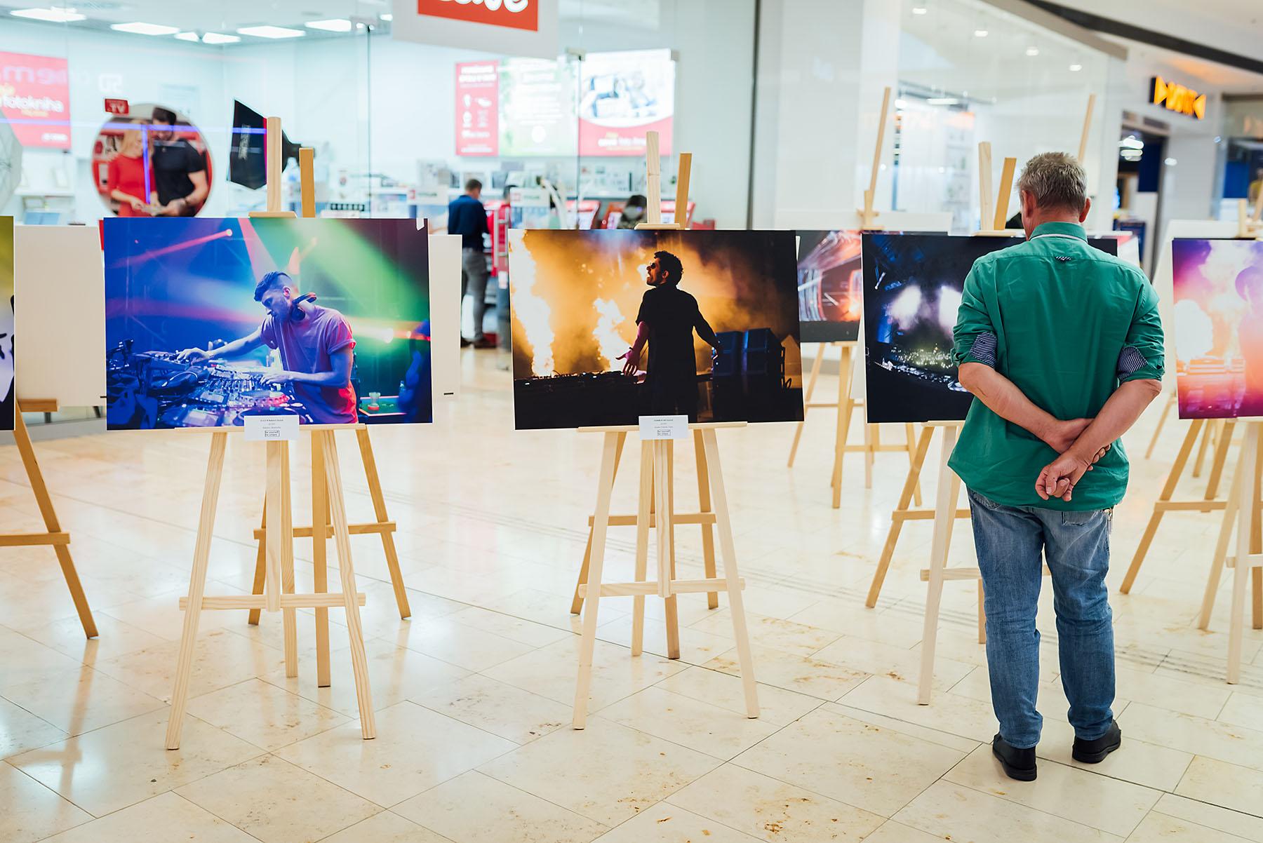Fotografovanie vernisáže fotiek Pavla Kunu - vernisáž, eurovea, bratislava - eventovy fotograf